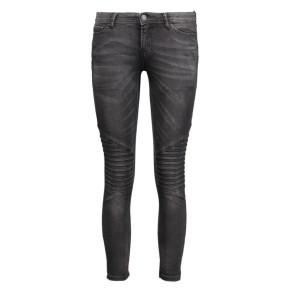 jdyskinny-low-waldo-biker-ankl-jeans-15121396-jacqueline-de-yong-jeans-medium-blue-denim