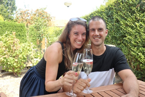 Thaddeus & Annette - proost op het nieuwe huis