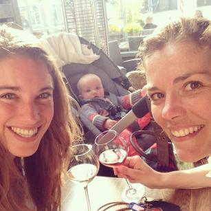 Lobke en Annette - baby Jools