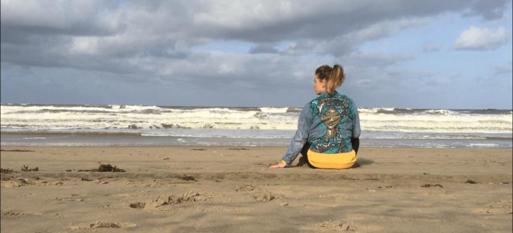 Annette op het strand - MOMspiration