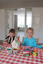Jools & Pippa vogelhuisje verven MOMspiration.nl