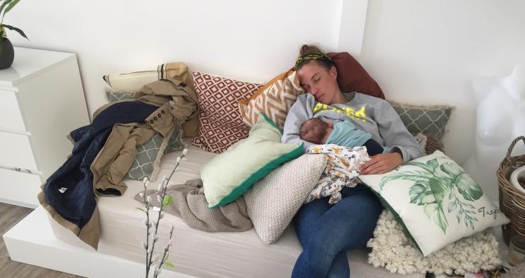 moeder van een pasgeboren baby MOMspiration