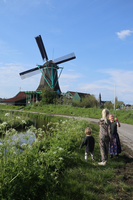 The Flying Dutch Family - Zaanse Schans